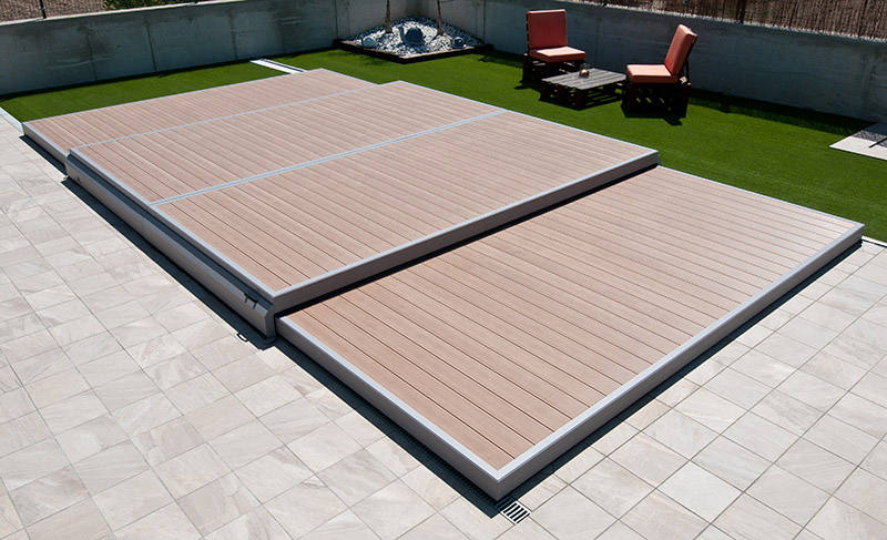 Terrasse mobile pour piscine cochet pierre piscines et spas for Piscine terrasse amovible